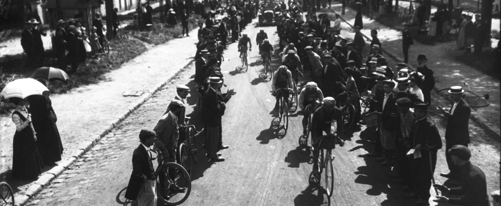 La Naissance Du Tour De France En 1903 Retronews Le Site De Presse De La Bnf