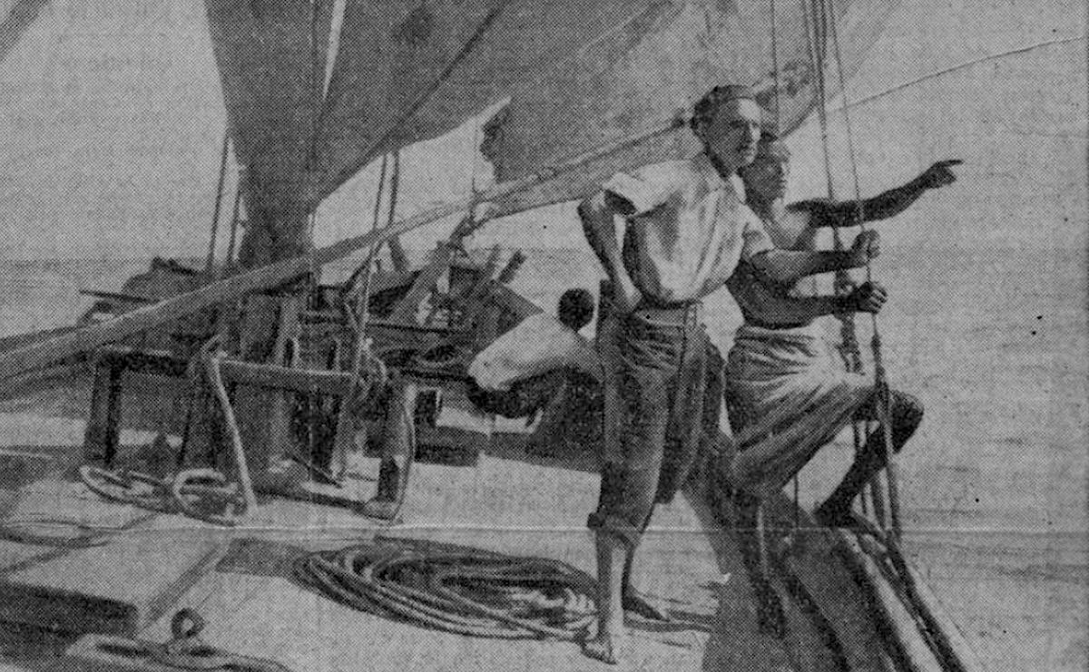 Henry de Monfreid (au premier plan) sur le pont du bateau le Massabieh, Paris-Soir, 15 mars 1935 - source : RetroNews-BnF