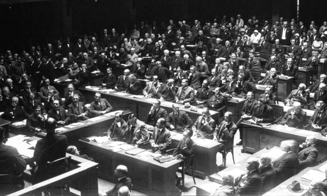 Société des Nations : intérieur de la salle, agence Meurisse, 1924 - source : Gallica-BnF