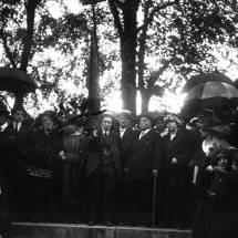 1934 : Interviews des derniers Communards, 63 ans après La Commune Le_mur_des_federes_au_.agence_de_btv1b9033741d
